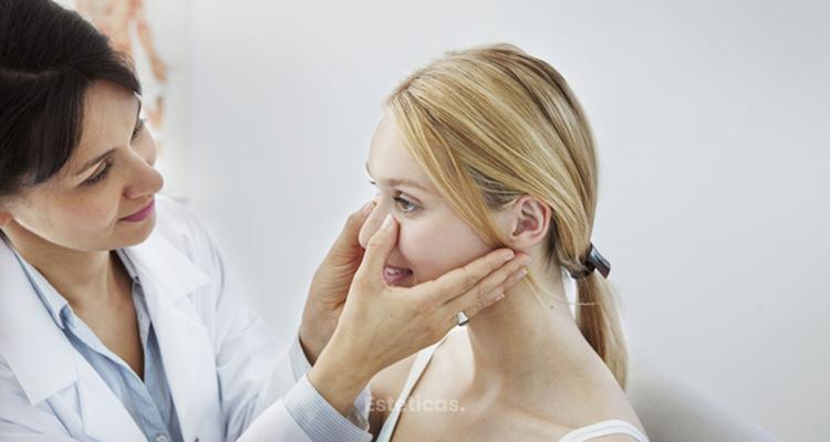 Gimasia facial y maquillaje para corregir imperfectos en la nariz