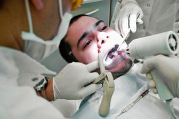 Dr. Raúl Titón