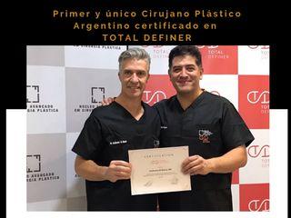 Certificación en lipoescultura de Alta Definición.